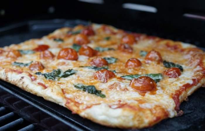 Receta de pizza de masa madre, la mejor para hacer en casa