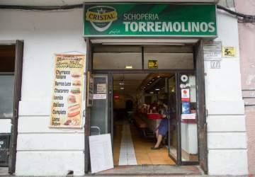 Reabre Torremolinos, la clásica y querida fuente de soda del barrio Lastarria