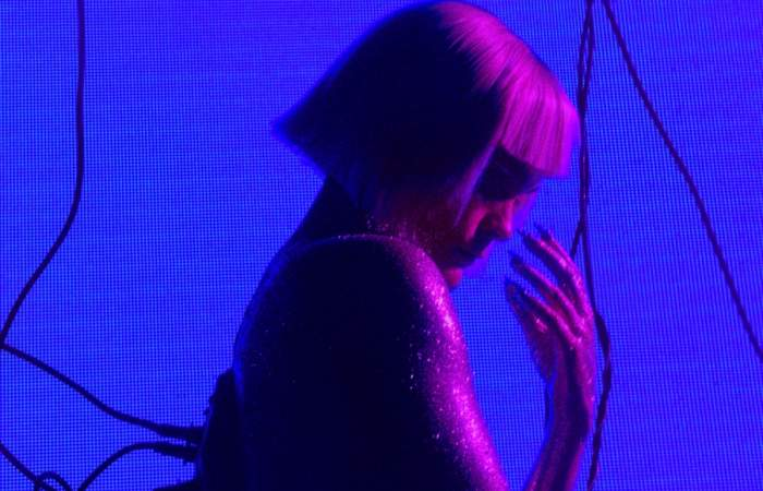 Camila Moreno tocará desde la Blondie convertida en cyborg