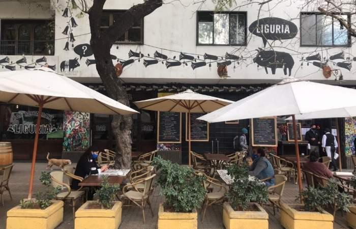 Reabre sus puertas el Bar Liguria, emblema de la bohemia santiaguina