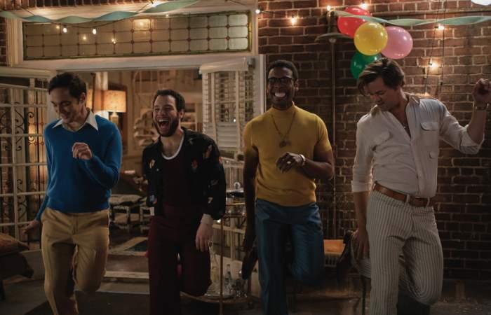 Los chicos de la banda: un drama con origen teatral sobre aceptación y diversidad
