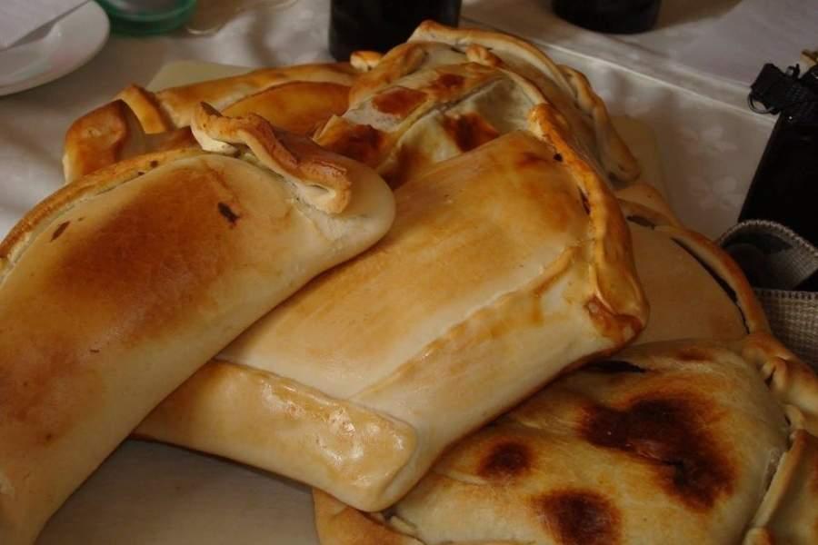 Las mejores empanadas de Santiago elegidas por los críticos gastronómicos