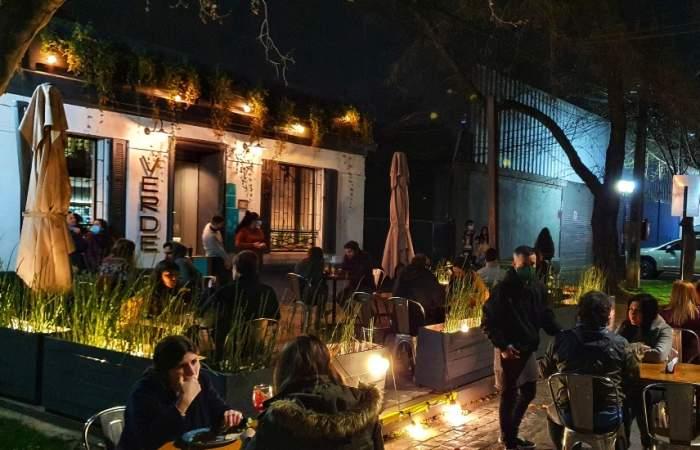Verde Sazón: una terraza para comer rico y sin carne en barrio Italia