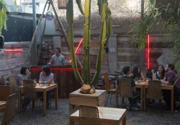 10 sabrosas terrazas escondidas en Santiago para disfrutar la primavera
