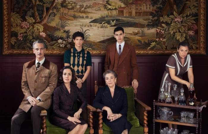 El creador de La Casa de las Flores vuelve a Netflix con el thriller Alguien tiene que morir