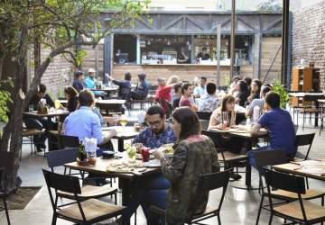 ¿Qué probar en barrio Italia? Guía con restaurantes abiertos para sacarle el jugo a su terrazas