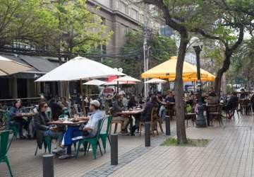 Los restaurantes y bares de Providencia salen a la calles con sus terrazas