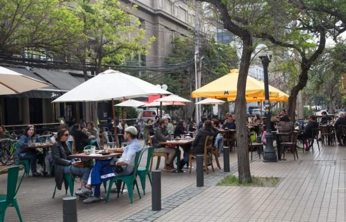 ¿Qué pasará en Fase 2 con los restaurantes y bares de la Región Metropolitana?