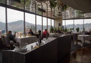 Giratorio: el clásico restaurante con una de las mejores vistas de Santiago