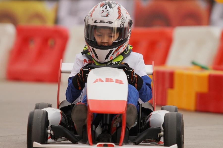 En el karting gratuito de Eliseo Salazar los niñas y niñas soñarán con ser pilotos de Fórmula 1