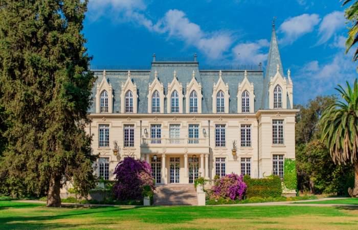 Escápate a Pirque y recorre el impresionante palacio de Las Majadas