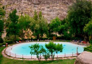 5 refrescantes piscinas para capear al calor en Santiago