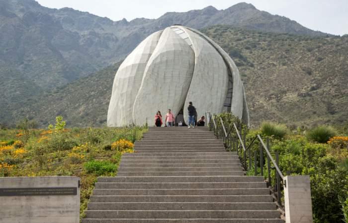 Templo Bahai anuncia repartura para ir a recorrer sus senderos con bellos miradores a la ciudad