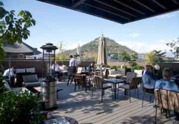 18 encantadoras terrazas de Santiago para sacarle el jugo al verano