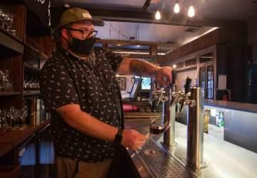 Materia Prima: el bar de Bellavista donde tomas vino natural directo del barril
