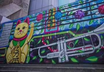 Descontaminante y diverso: así es el colorido nuevo mural que luce la Torre Entel
