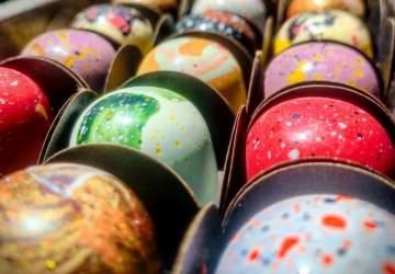Nuar: los chocolates pintados a mano que conquistarán tu corazón