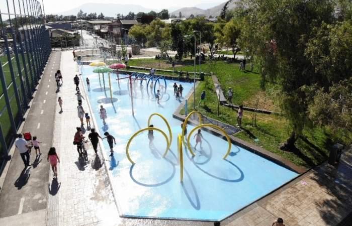 El nuevo Parque Mirador Viejo alegra con juegos de agua, muros de escalada y circuitos de skate