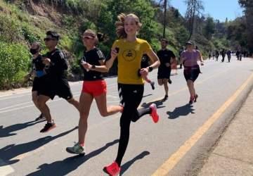 Ejercítate en el cerro San Cristóbal con clases gratuitas de running, trail, yoga y entrenamiento funcional