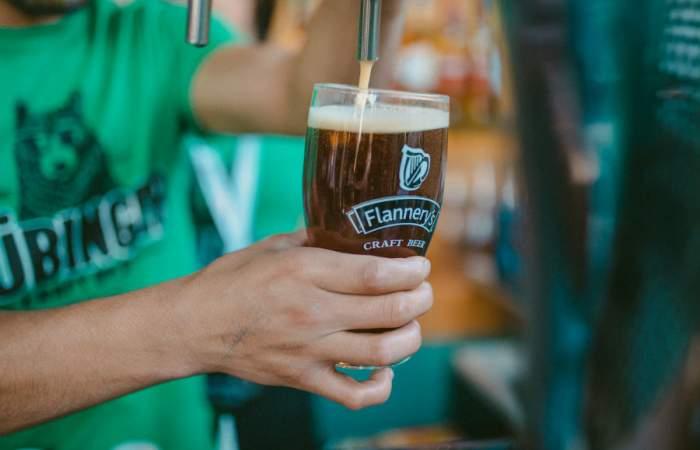 El Día de San Patricio este año se celebrará en bares y también en casa