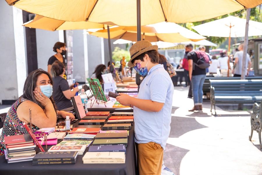 Mercado de Libros: la feria callejera y literaria con un centenar de publicaciones