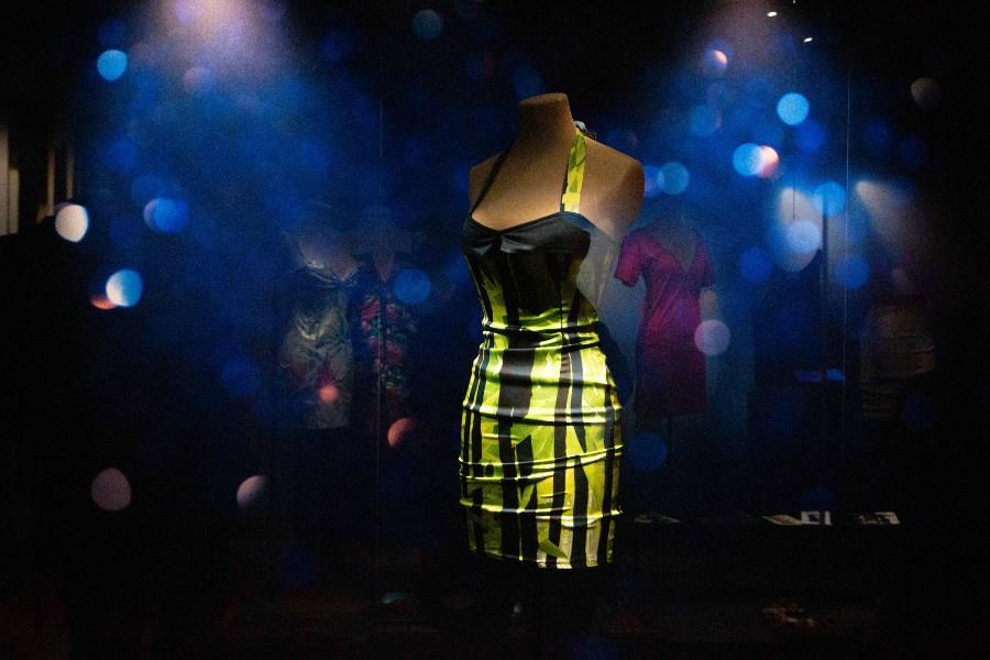 El Museo de la Moda recuerda a Amy Winehouse con más de 60 vestidos y accesorios de la artista