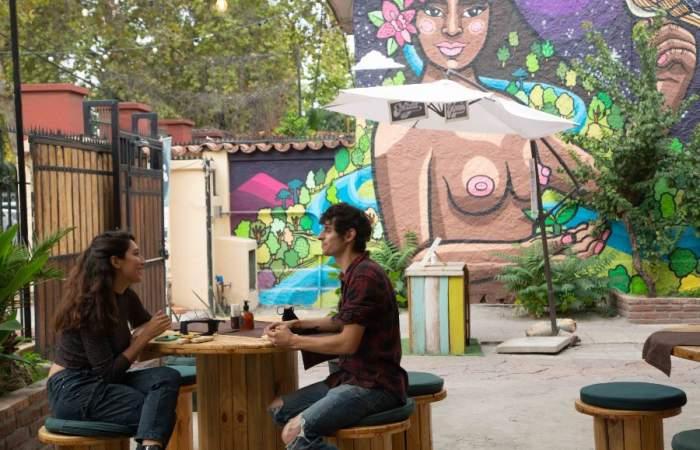 Casa Bosque, el ondero boulevard con café, pizzas, taller de bicis y muro de escalada