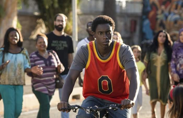 Cero: la serie italiana de Netflix que apuesta por un singular y joven superhéroe
