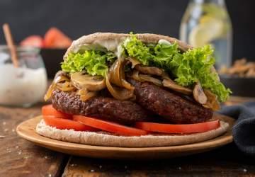 No solo para carnívoros: el Día de la Hamburguesa también tiene su festejo verde