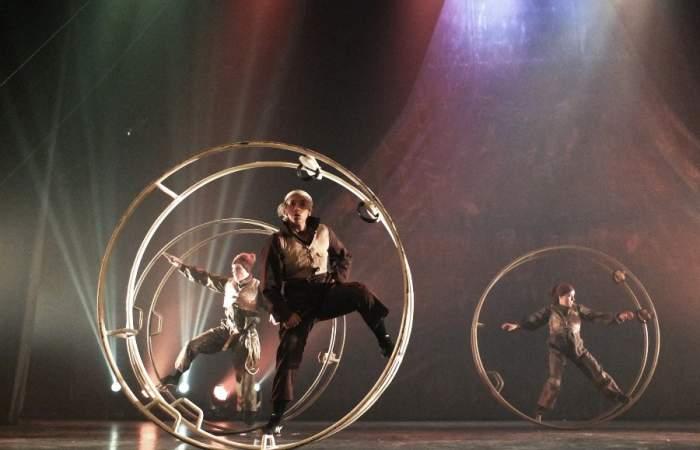Impresionantes acrobacias en rueda y trapecio es lo que verás en obra del Circo del Mundo
