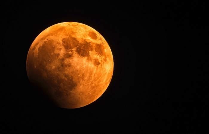 Cuándo y cómo ver el nuevo eclipse lunar y el fenómeno de la