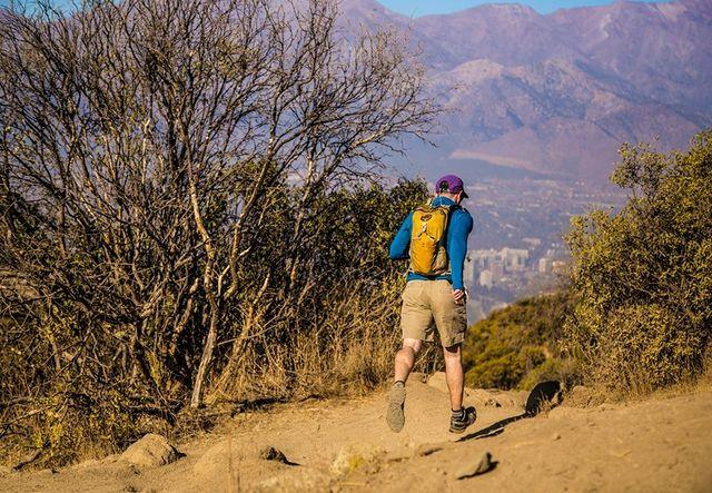 Aprende de trail running con una entretenida clase gratis en el cerro Manquehuito