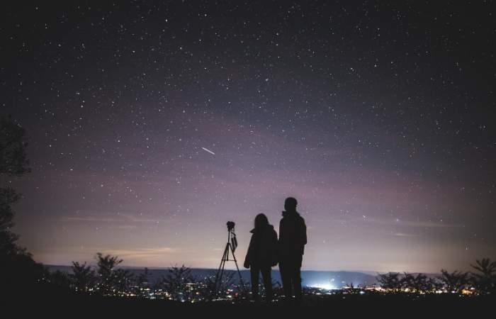 Viaja al espacio en una noche con la transmisión en tiempo real de galaxias y nebulosas
