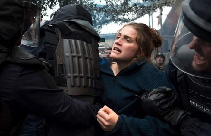 Y mañana el mundo entero: la película alemana sobre antifascismo que debuta en Netflix
