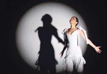 Javiera Mena celebra el orgullo y la diversidad con un concierto gratuito