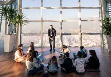 Vacaciones en las alturas: el mirador Sky Costanera tiene entradas 2×1 para niños y niñas