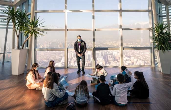 Vacaciones en las alturas: el mirador Sky Costanera tiene entradas 2x1 para niños y niñas