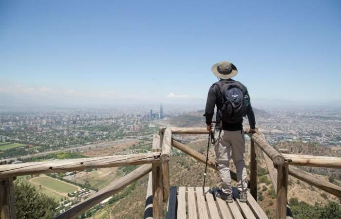El renovado ingreso al cerro El Carbón por Camino La Pirámide
