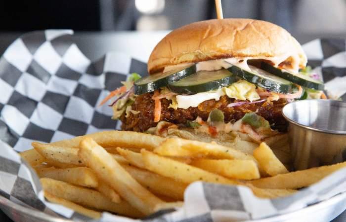 Chachan: el nuevo y adictivo burger bar con sanguchitos coreanos