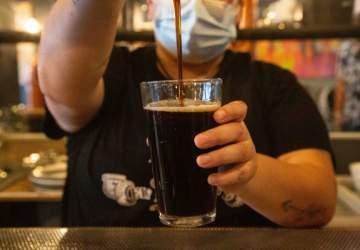 El Destape: el bar que llegó a Av. Manuel Montt para apagar la sed con sus schops artesanales