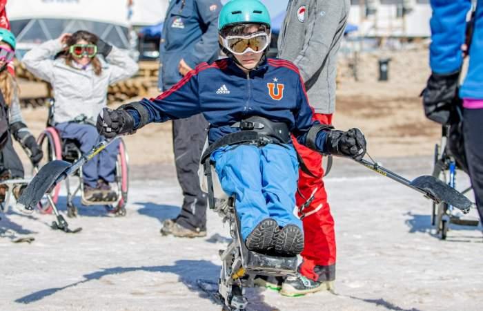 En Parques de Farellones abre la primera escuela de esquí para personas en situación de discapacidad