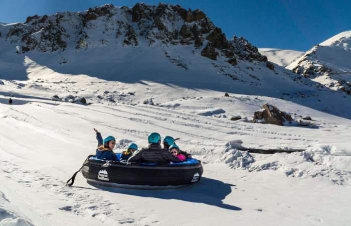 """Todos lo que puedes hacer en Parques de Farellones, el """"Fantasilandia"""" de la nieve"""