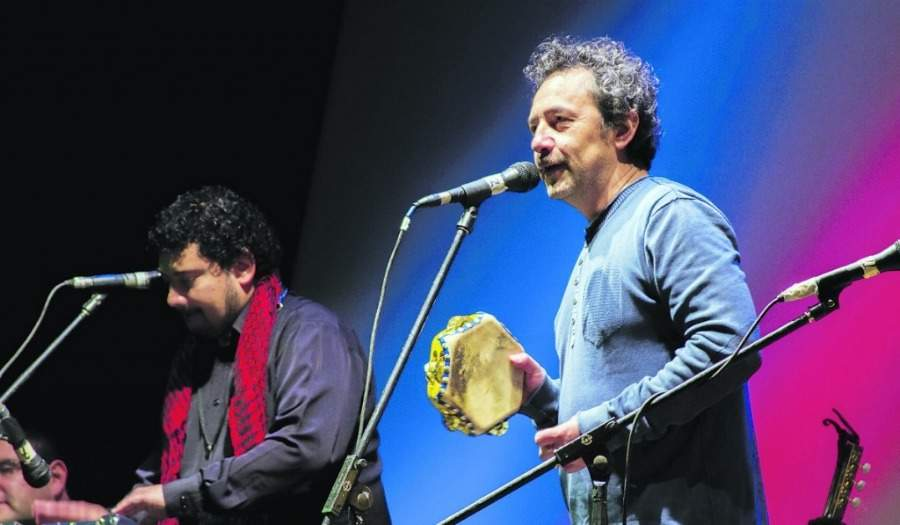 Daniel Muñoz y Los Marujos llevan sus cuecas este 18 a una carpa de circo