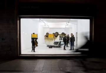 El evento que abre las galerías de Santiago con nuevas exposiciones, performances y visitas guiadas gratuitas