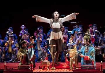 De Rigoletto al Requiem: Teatro a Mil lleva ópera gratis a las plazas de Santiago