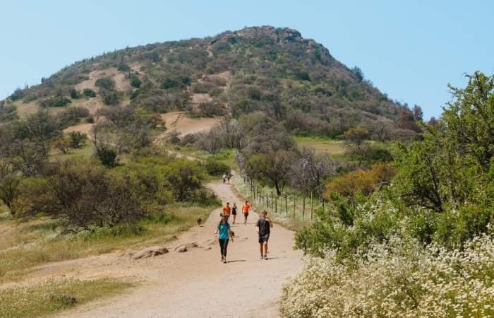 Sube el cerro Manquehuito con una clase gratuita de trail running